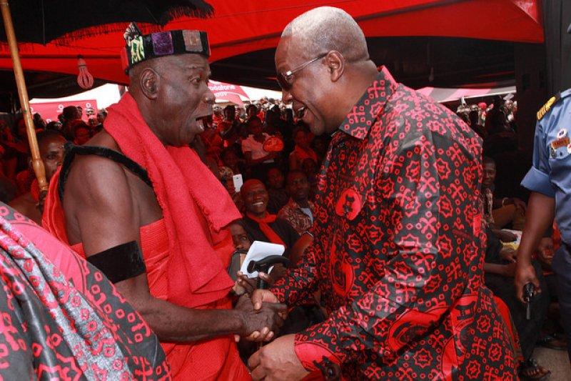 President Mahama mourns with Okuapeman